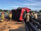 Caminhão tomba e derrama derivado de petróleo em pista da BR-230, na PB