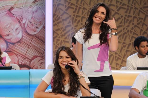 """Bruna Marquezine e Glenda Kozlowski no """"Criança Esperança 2013"""" (Foto: Alex Palarea / AgNews)"""