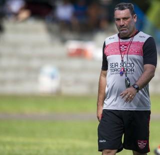 Guilherme Alves, técnico, Linense, Paulistão (Foto: José Luis Silva / Ag. CA Linense)