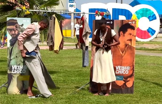 Paranaenses experimentaram o figurino de Velho Chico (Foto: Reprodução/RPC)