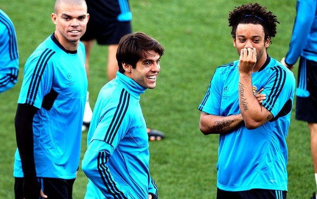 Kaká e Marcelo no treino do Real Madrid (Foto: AP)