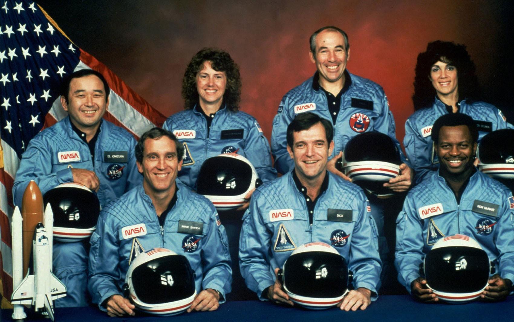 A tripulação que morreu na explosão da Challenger, em 28 de janeiro de 1986. A partir da esquerda, abaixo, Michael J. Smith, Francis R. (Dick) Scobee e Ronald E. McNair. Acima, Ellison Onizuka, Christa McAuliffe, Gregory Jarvis e Judith Resnik (Foto: NASA via AP)
