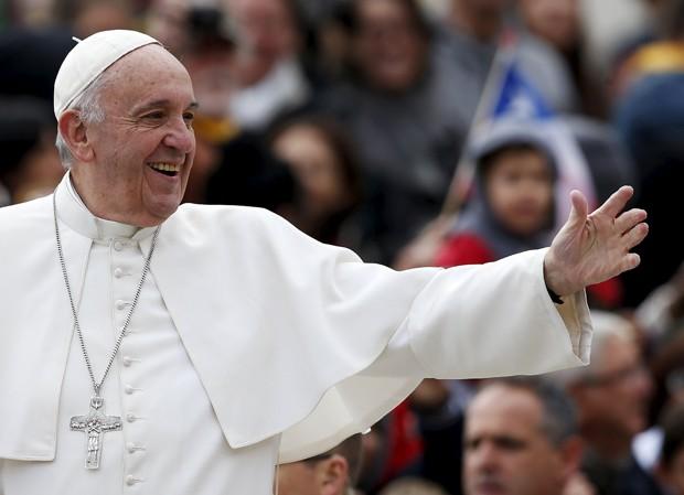Papa Francisco chega para audiência semanal na Praça São Pedro, no Vaticano  (Foto: Alessandro Bianchi/ Reuters)