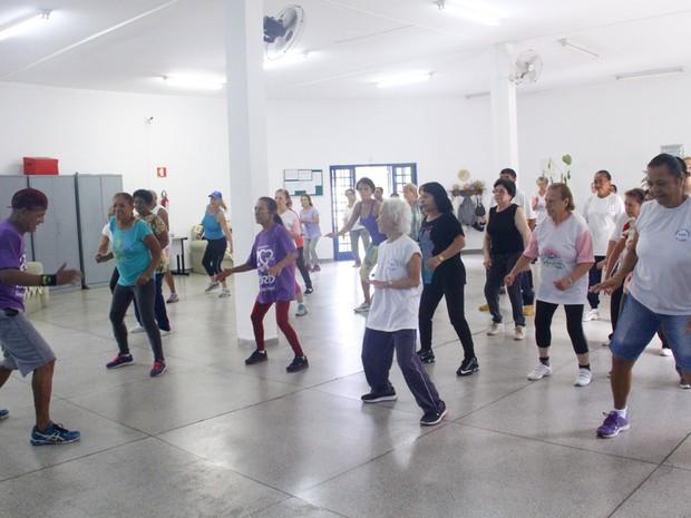 Arujá oferece atividades físicas e culturais gratuitamente para idosos (Foto: Nadja Cortes/Prefeitura de Arujá)