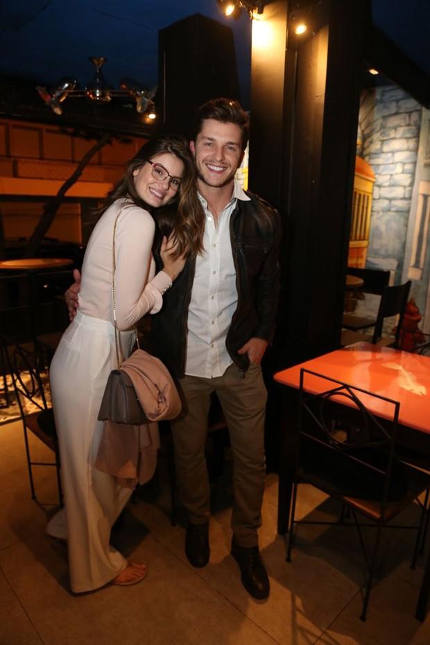 Camila Queiroz e Klebber Toledo (Foto: André Freitas/AgNews)