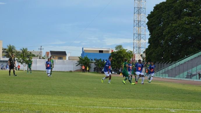 Rondoniense e Cuiabá no primeiro jogo da Copa Verde  (Foto: Lívia Costa)