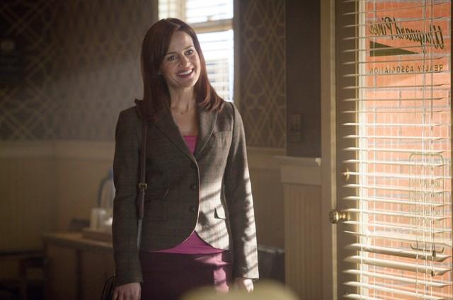 Carla Gugino protagonizará série da Netflix baseada em livro
