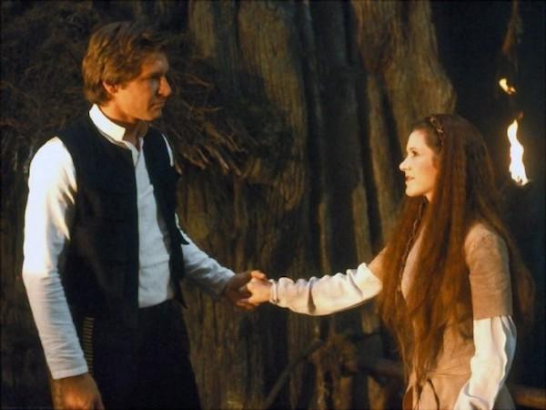Carrie Fisher e Harrison Ford em cena de 'O Retorno de Jedi' (1983) (Foto: Reprodução)