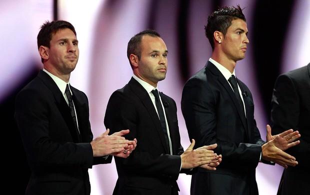 Messi, Iniesta e Cristiano Ronaldo na premiação da UEFA (Foto: Reuters)