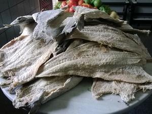 Durante desfile serão distribuídos 200kg de bacalhau (Foto: Amanda Dantas/ TV Asa Branca)