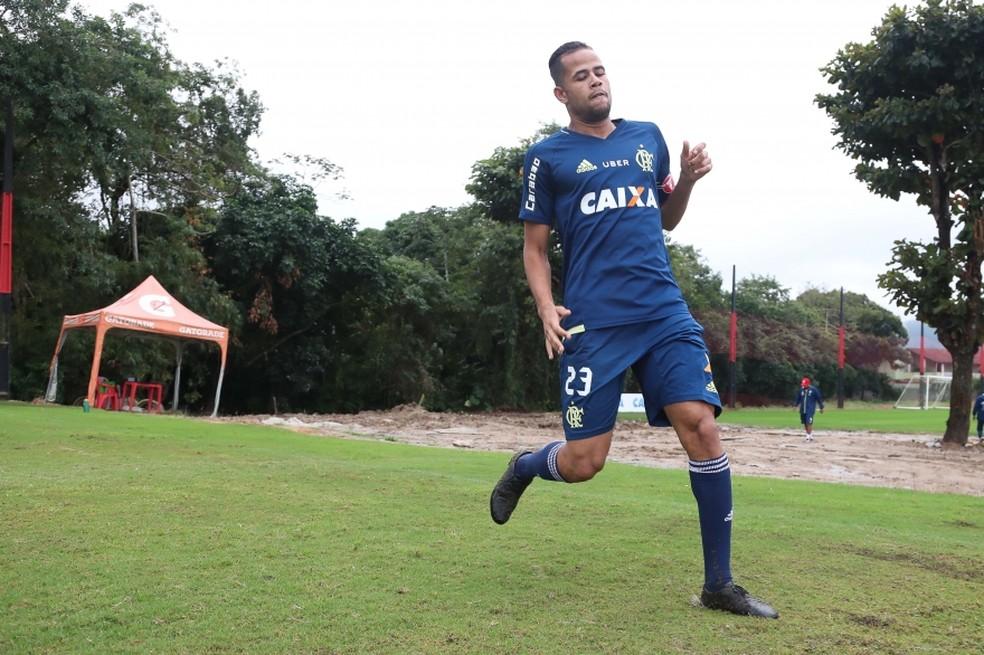 Geuvânio treinou com o grupo no Ninho do Urubu (Foto: Gilvan de Souza/Flamengo)