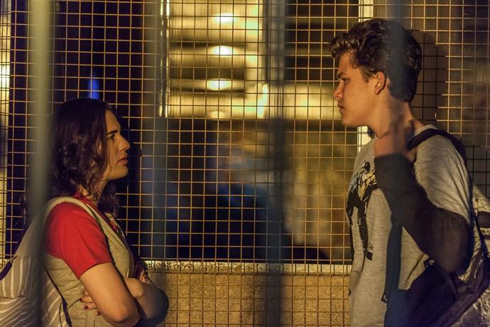Livian e Gabriel fofos na ficção como Julia e Artur (Foto: Artur Meninea/Gshow)