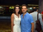 Deborah Secco e o namorado, Bruno Torres, vão a festival de cinema