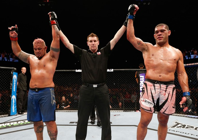 Mark Hunt x Pezão, UFC Fight Night (Foto: Getty)