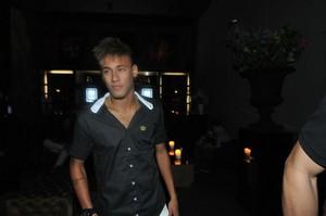 Neymar e outros famosos curtem balada catarinense (Foto: Divulgação / Cassiano de Souza)