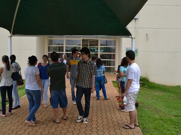 Movimentação dos candidatos antes das provas do vestibular da UFT (Foto: Thiago Bastos/Dicom - UFT)