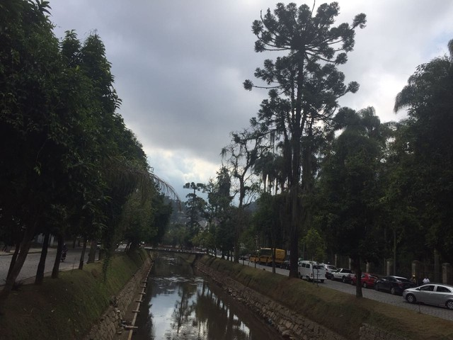 Céu nublado e frio marcam a véspera da chegada do Inverno em Petrópolis (Foto: Aline Rickly | G1)
