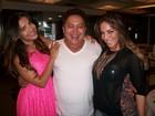 Ex-BBBs Anamara e Gyselle Soares vão a churrascaria no Rio