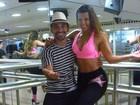 Renata Santos turbina o corpão com aulas de samba fitness: 'Saio acabada'
