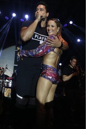 Xanddy e Claudia Leitte em show em Salvador, na Bahia (Foto: Fred Pontes/ Divulgação)