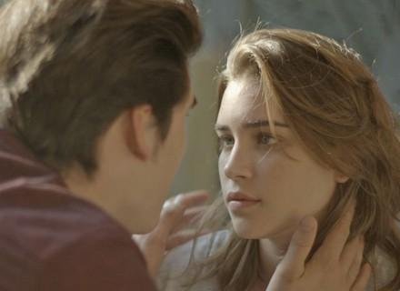 Flávia diz para Rodrigo que ele tem vergonha dela