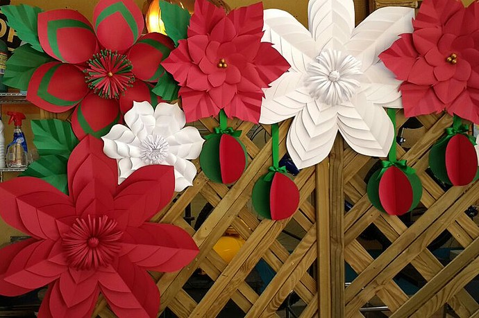 Enfeites De Natal Aprenda Como Fazer Flores De Papel Natalinas