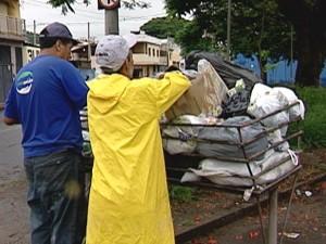 São em média 220 toneladas de reciclávbeis por mês (Foto: Reprodução/TV Integração)