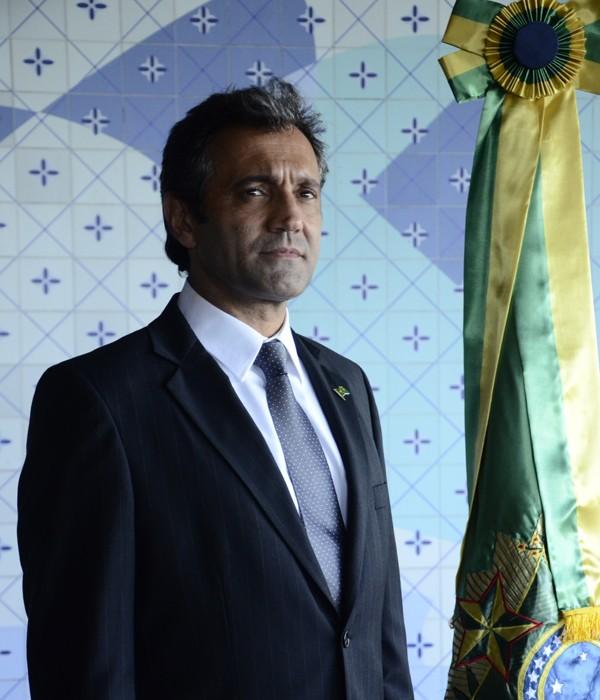 Domingos na pele do presidente fictício da minissérie O brado retumbante, exibida em 2012 (Foto: Reprodução/ TV Globo)
