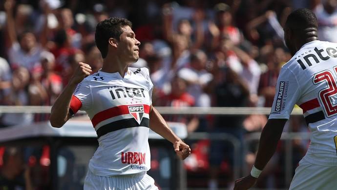 Hernanes São Paulo (Foto: Rubens Chiri/saopaulofc.net)