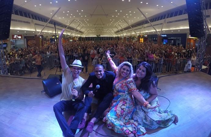 Público cearense curtiu show com Marcos Lessa, Romero Ribeiro, Aila Menezes e Débora Coutinho. (Foto: Luanna Gondim / TV Verdes Mares)