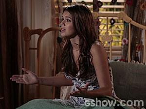 Luiza tenta se explicar para a mãe (Foto: Felipe Monteiro / TV Globo)