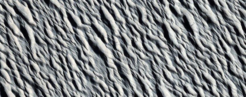 Dunas da região conhecida como Amazonis Planitia (Foto: NASA/JPL/University of Arizona)