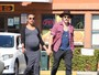 Grávida, Zoe Saldana usa vestido justinho que evidencia seu barrigão