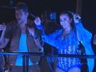 De borboleta, Anitta canta com Felipe Pezzoni, da Banda Eva, em Salvador