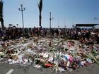 França faz minuto de silêncio em homenagem a vítimas de Nice