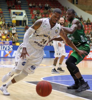Mogi das Cruzes x Bauru NBB basquete (Foto: Antonio Penedo/Mogi-Helbor)