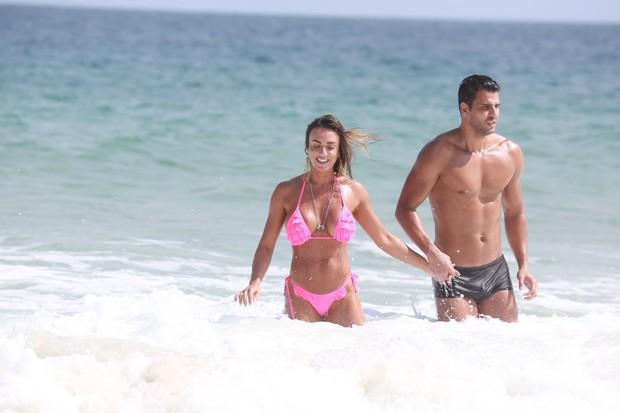 Nicole Bahls e o namorado (Foto: Dilson Silva/AgNews)