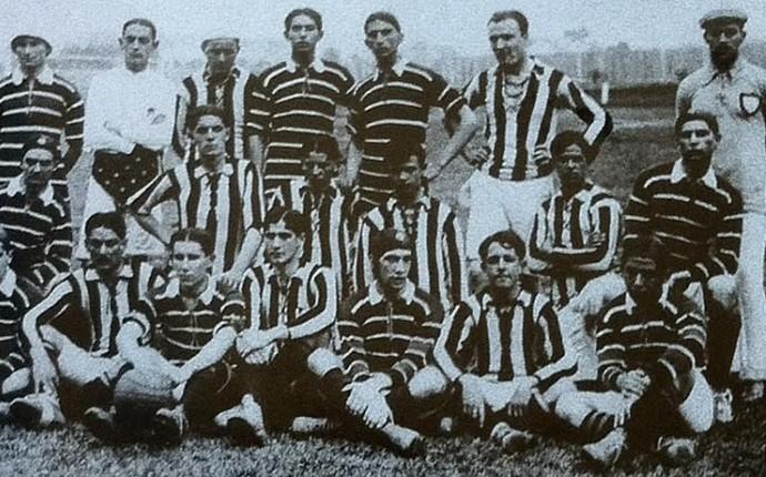 Arena da Baixada 100 anos - 1914 primeiro jogo (Foto: Arquivo/Tribuna do Paraná)