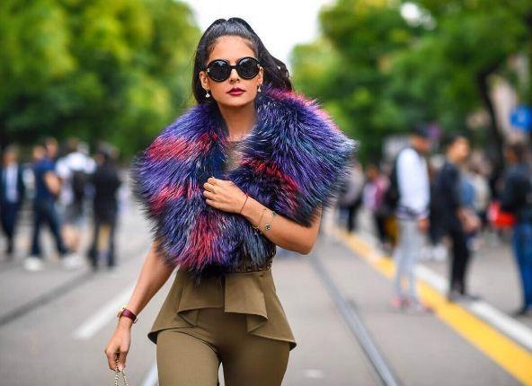 Tamara Al Gabbani na Semana de Moda de Milão, em setembro (Foto: Reprodução)
