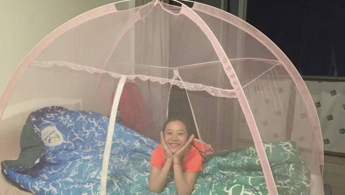Chinesas da ginástica artística se protegem contra vírus da zika  (Foto: Reprodução/ Facebook)