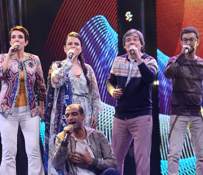 Vocal5 se apresenta no palco do Domingão (Foto: Carol Caminha/Gshow)