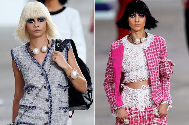 Jóias com pérolas - Desfile da Chanel (Foto: AFP / Agência)