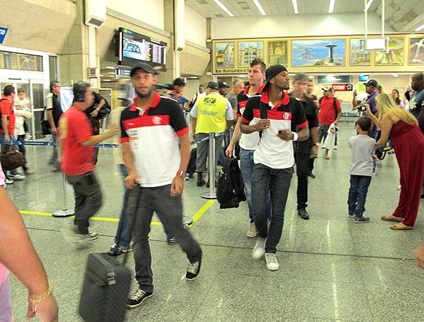 Jogadores do Flamengo desembarque Rio de Janeiro (Foto: Richard Souza / Globoesporte.com)