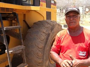 Luiz Gonçalves Neves, trabalha na na reforma do estádio e diz que o serviço é motivo de orgulho. (Foto: Jucilene Magalhães)
