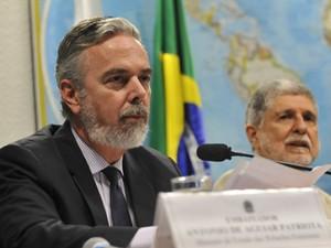 Os ministros Antonio Patriota(Relações Exteriores) e Celso Amorim (Defesa),em audiência no Senado sobre denúncias de espionagem dos EUA (Foto: José Cruz/ABr)