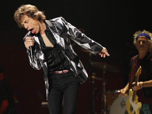 Mick Jagger canta durante show do Rolling Stones em Los Angeles nesta sexta-feira (3), na abertura da turnê '50 and counting' (Foto: Mario Anzuoni/Reuters)