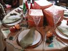 Antonio Neves da Rocha decora mesas de Natal com muito ou pouco dinheiro