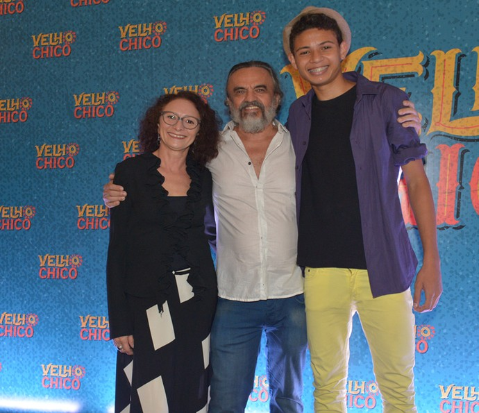 Marcélia Cartaxo, José Dumont e Pablo Vinícius serão uma família em 'Velho Chico' (Foto: Globo / João Miguel Junior)