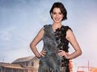 Anne Hathaway usa vestido de gosto duvidoso em première