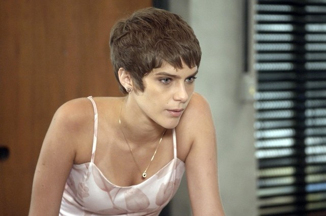 6ebe0b86e0 A lei do amor   Letícia descobrirá que tem uma irmã - Patrícia Kogut ...